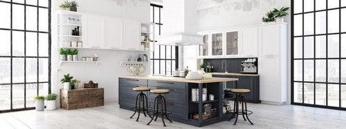 Nordisk køkkenstil med sorte farveelementer