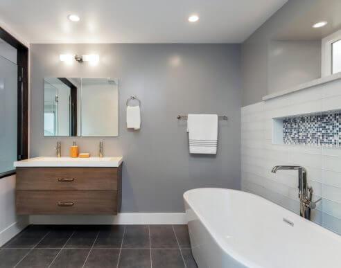 3 typer badeværelsesfliser du kan kombinere