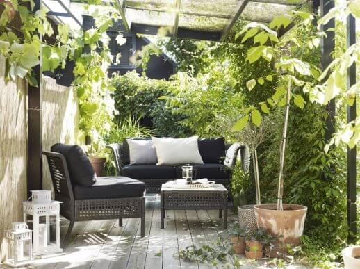 Din lodrette have i udhus.