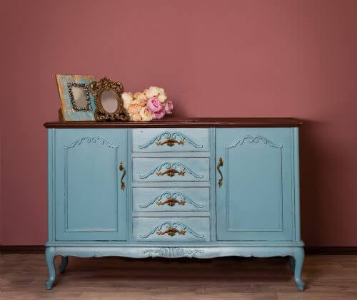 Mal dine møbler - Blåmalet kommode.