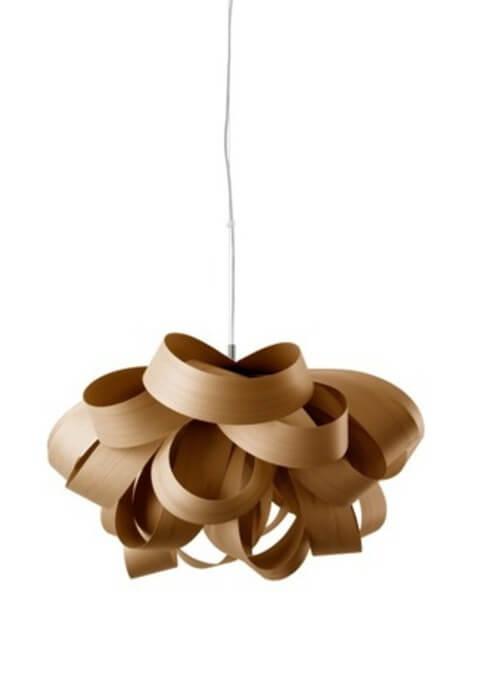 Lampeskærm af tyndt træ.