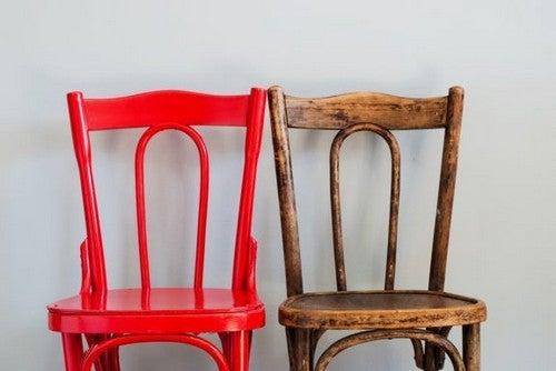 Undgå disse almindelige fejl når du gendanner træmøbler