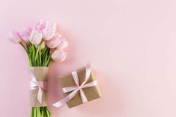 Blomster som gave.
