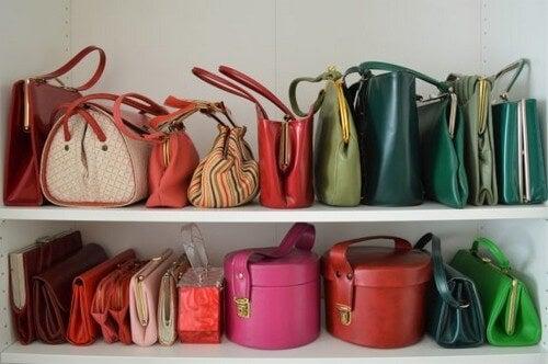 Håndtasker: 5 praktiske måder at opbevare dem på