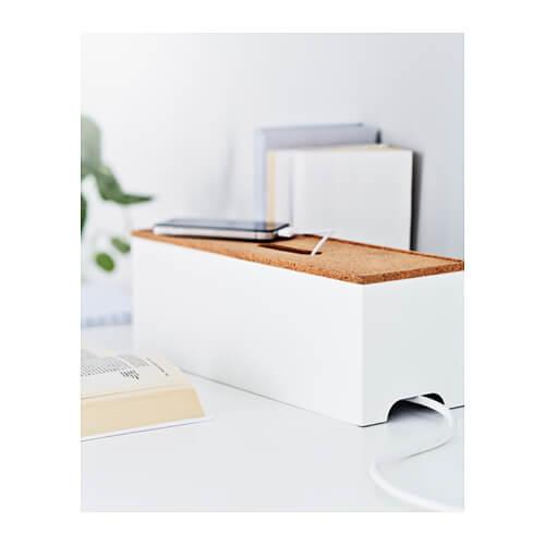 Kabel- og stikkontaktskjuler i form af kasse.