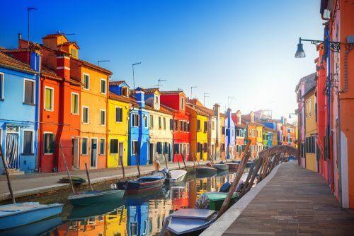 Stærke farver til ydersiden af huse.