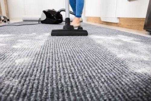 Hvordan du kan rengøre dine tæpper uden at skade dem