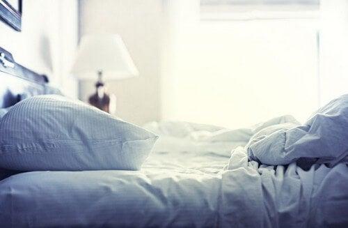 Red din seng hver morgen