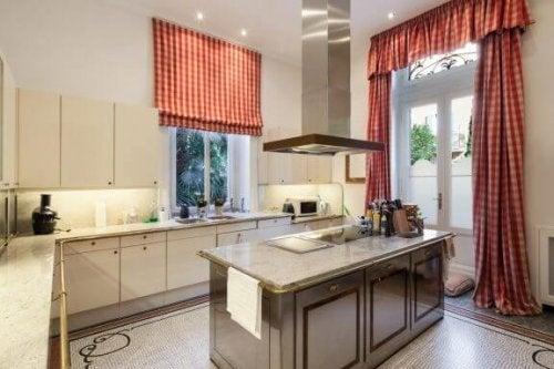 Køkkengardiner til dit køkken