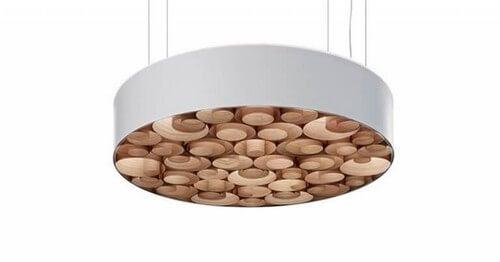Lampe fremstillet af krydsfiner