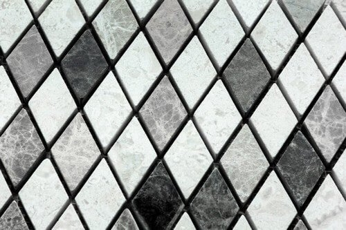 Sorte og hvide diamantfliser