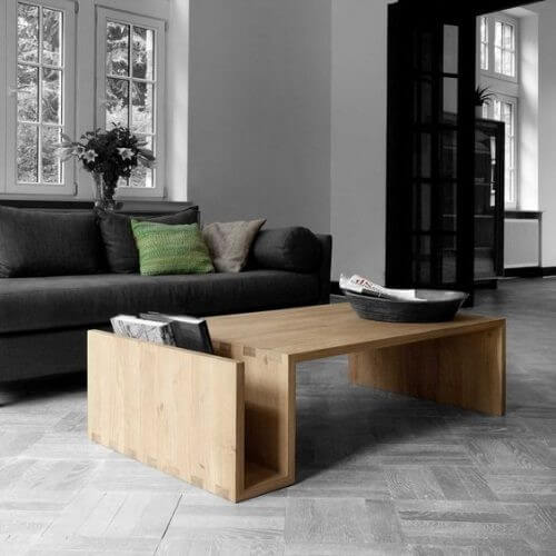 Et alsidigt sofabord med magasinholder