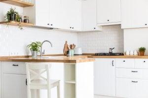 Et flot hviddt køkken