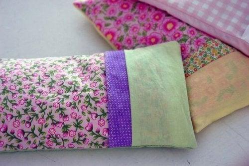 Dekorative varmeposer med forskelligt mønster