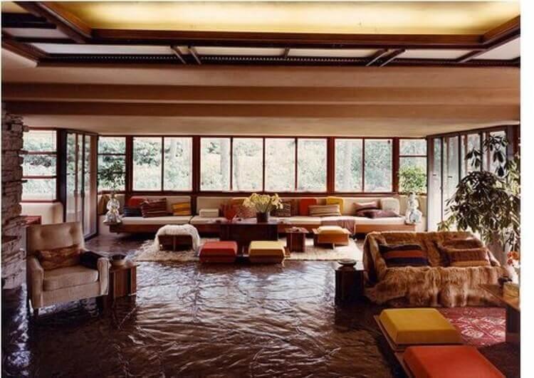 Stuen i Fallingwater huset