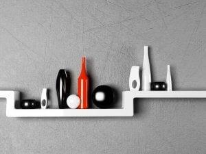 Du kan dekorere dine hylder med krukker i forskelliger former, farver og størrelser