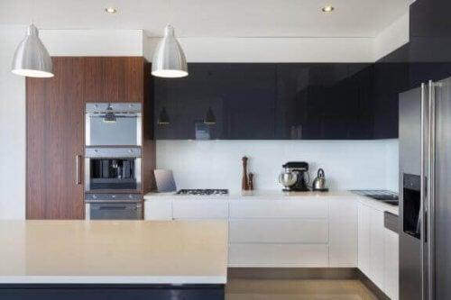 Sådan vælger du de rigtige grebsfri køkkenskabe