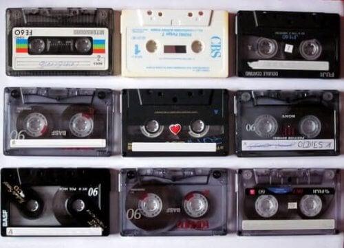 Dekoration med kassettebånd: Fornuftigt genbrug