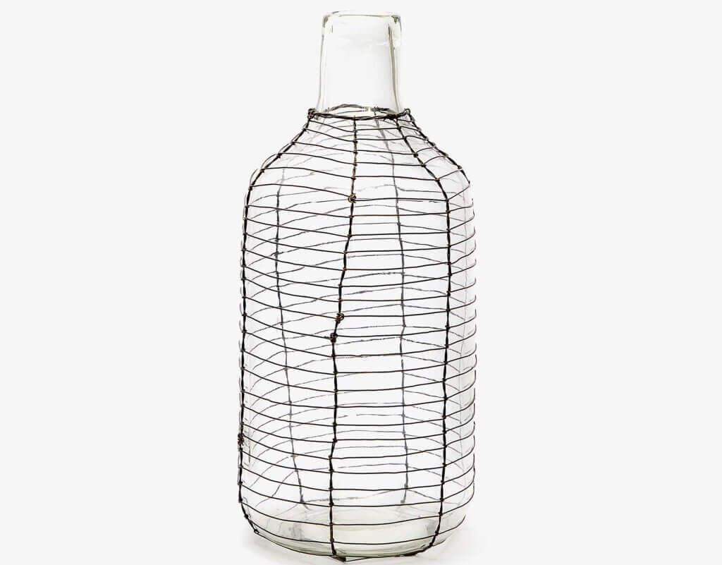 Moderne vaser med ståltråd
