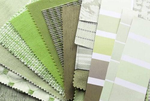 Overvej nøje, hvilke farver du bruger sammen med Greenery.