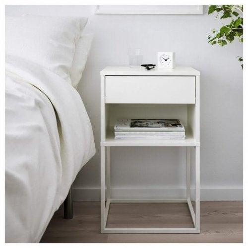 hvidt sengebord