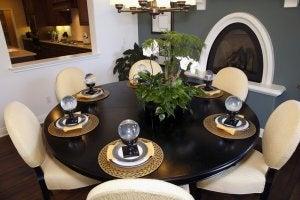 Et rundt spisebord