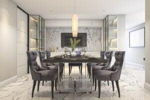 Et elegant bord med bordservice