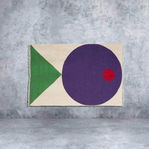 tæppe med cirkel og trekant
