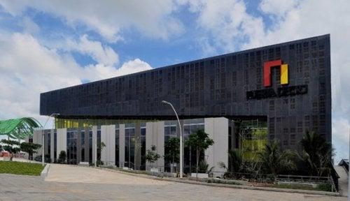 en bygning med fibercement sidings