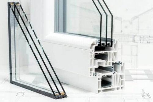 Vinduer med luftlommer kan hjælpe dig med at lydisolere dit hus.