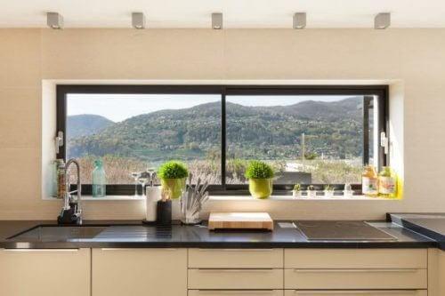 Dekoration af vinduer: 5 forskellige måder