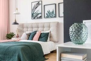 Et elegant og moderne soveværelse