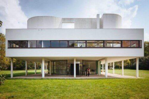 Se indretningen af Le Corbusiers Villa Savoye!