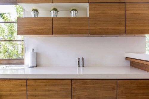 Køkkenbordplader: 4 gode muligheder til dit køkken