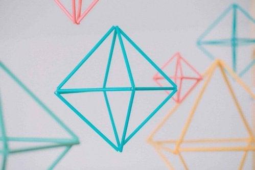 geometriske mønstre i forskellige farver