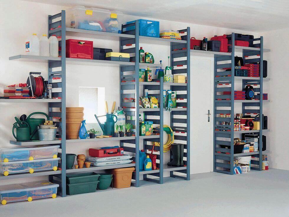 Brug beholdere til at organisere dine ting.