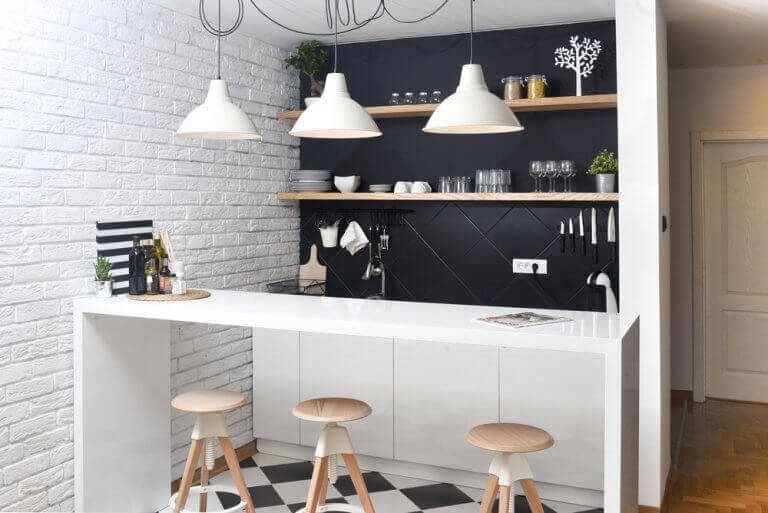 God belysning i køkkenet.