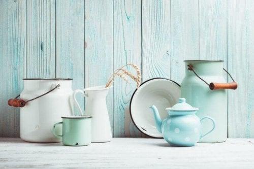 keramik og lyse blå farver