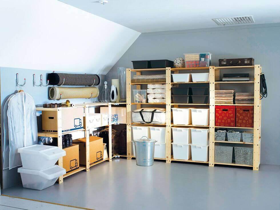 Et pænt organiseret opbevaringsrum.