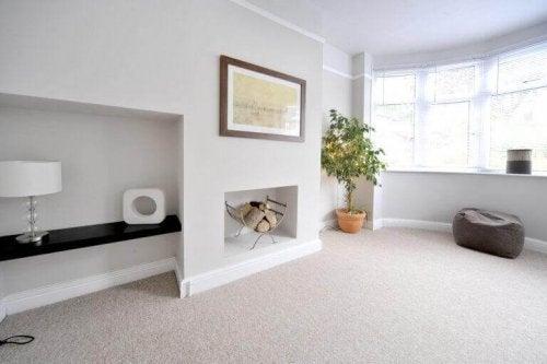 stue med gulvtæppe