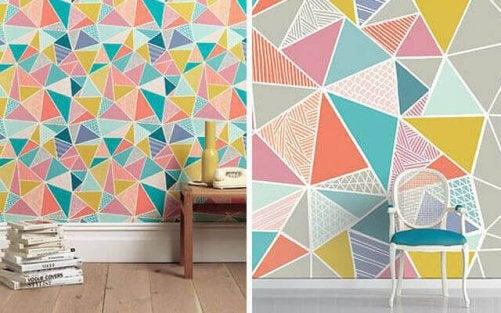 væg med geometriske mønstre