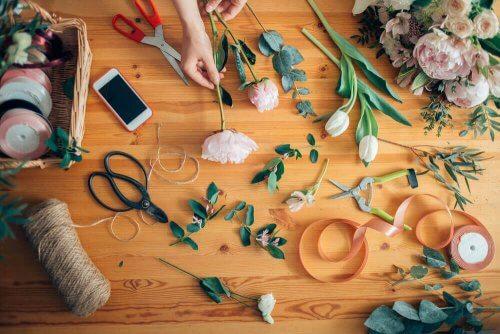 Arrangering af blomster: Lær at lave en flot buket