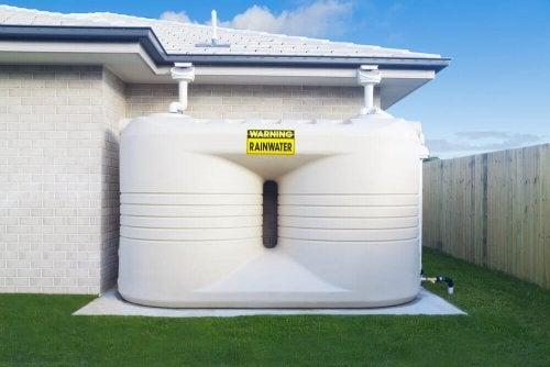 Installer en regnvandsopsamler i dit hjem