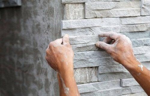 Havemur lavet af cement