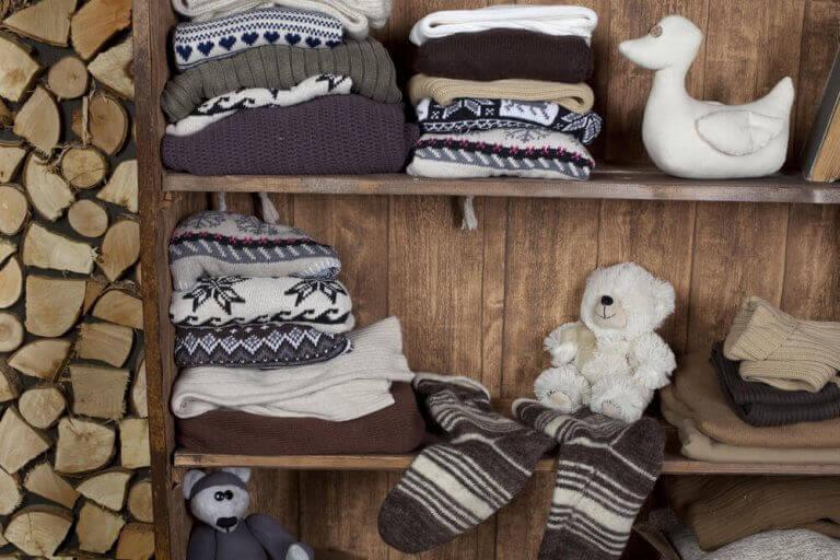 hylder til at opbevare dit vintertøj
