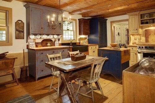 Et køkken med et landligt præg