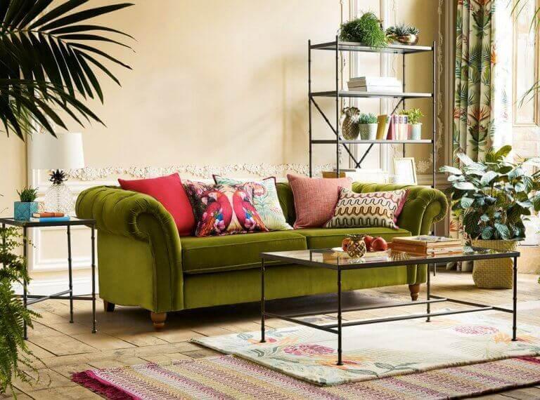 stue med grøn sofa