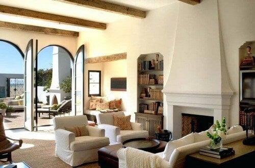 En stue fra boliger i middelhavsstil