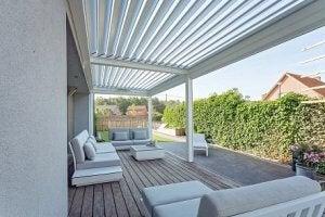 en overdækket terrasse
