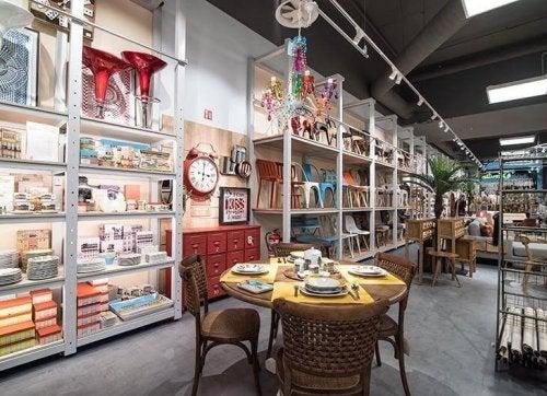 billige dekorationer fås i mange butikker
